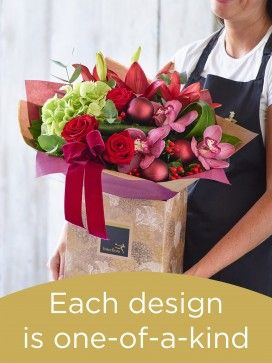 Christmas Hand-tied Bouquet £60
