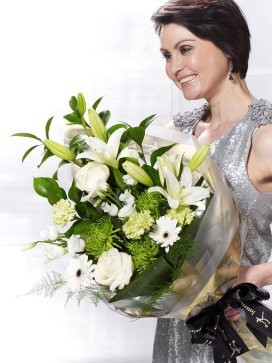 White Simplicity Presentation Bouquet